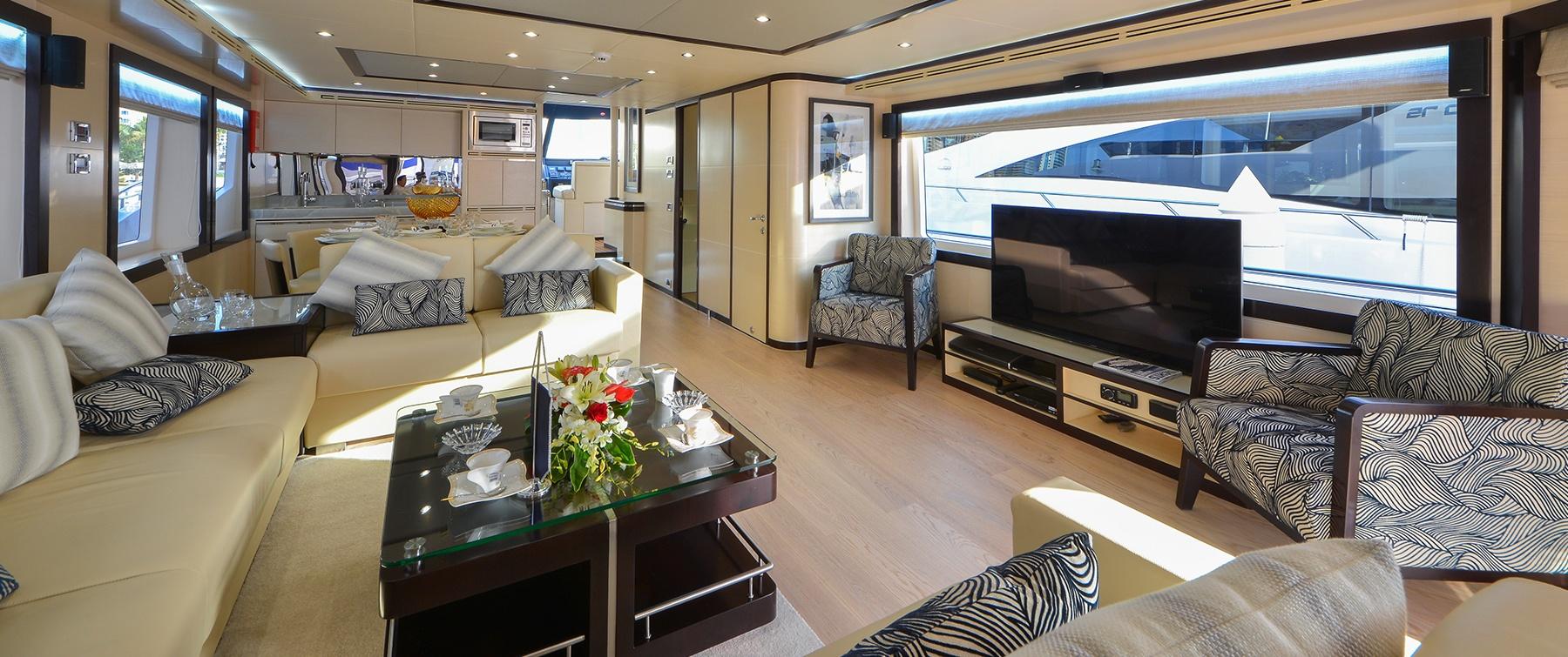 Luxurious Interior of Nomad 75