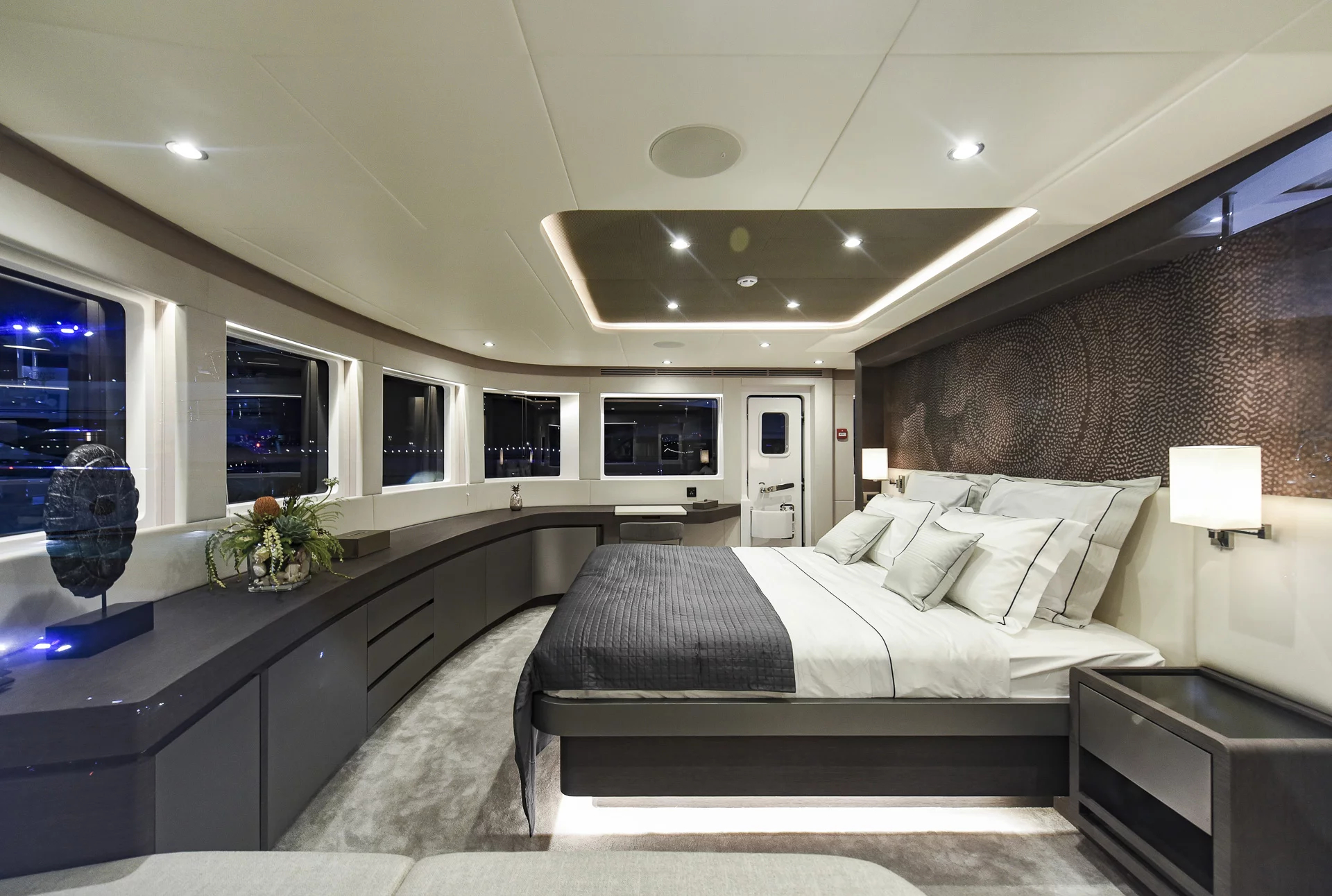 Owners Stateroom (4)